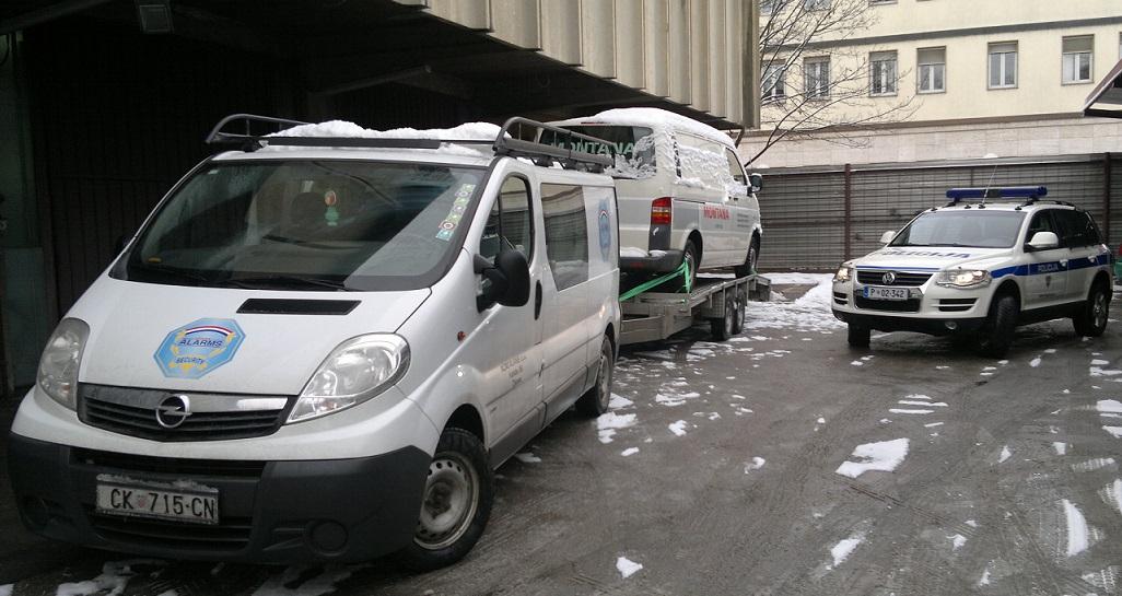DETEKTIVI VRATILI VW TRANSPORTER!